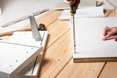 Trasloco come gestire smontaggio e montaggio dei mobili - Smontaggio mobili ...